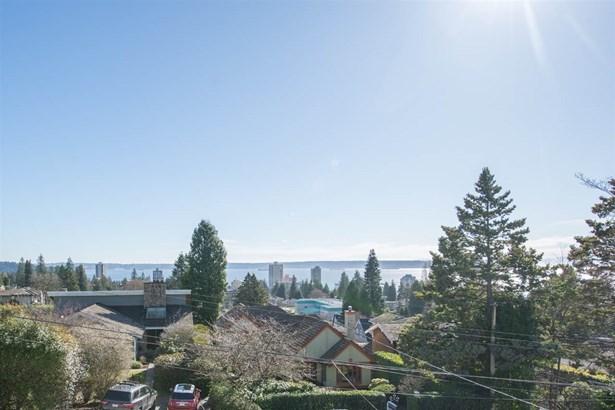2125 Lawson Avenue, West Vancouver, BC - CAN (photo 3)