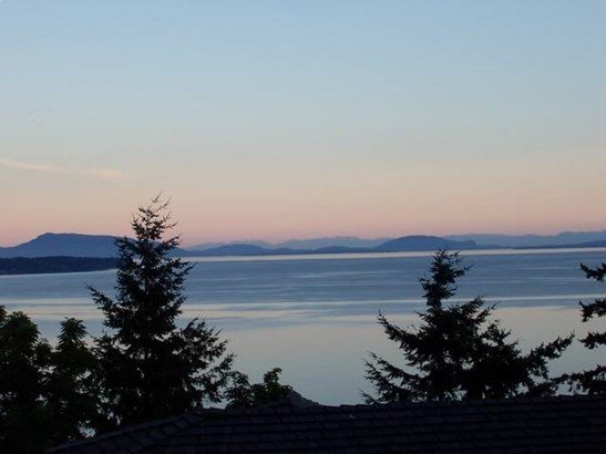 1357 Everall Street, White Rock, BC - CAN (photo 3)