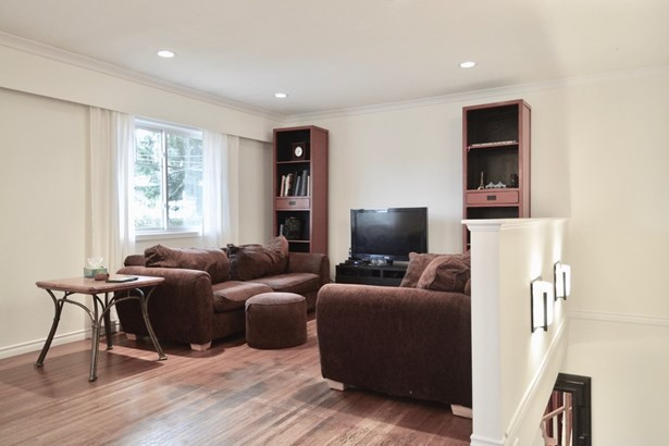 650 E 22nd Street, North Vancouver, BC - CAN (photo 3)