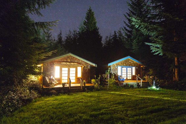 310 Forest Ridge, Bowen Island, BC - CAN (photo 3)