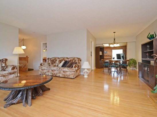 4951 59a Street, Delta, BC - CAN (photo 3)