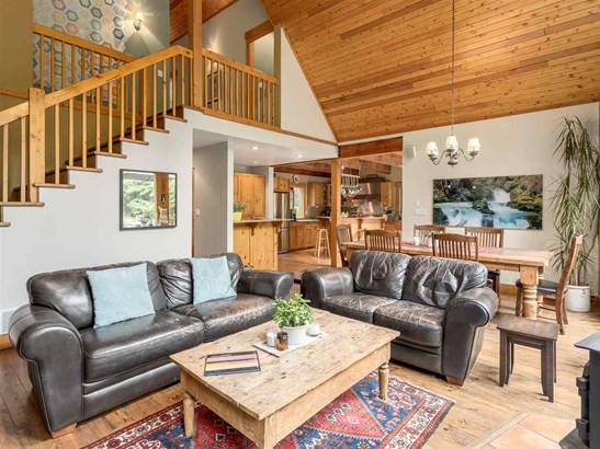 2601 The Boulevard, Squamish, BC - CAN (photo 3)