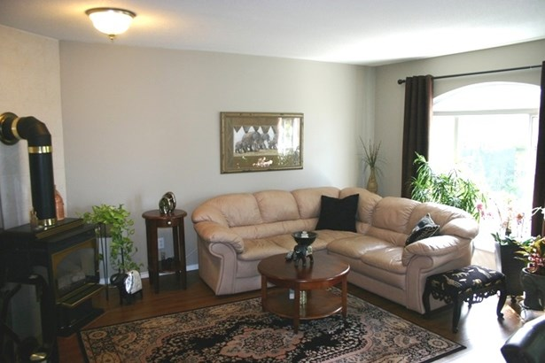 7962 Hurd Street, Mission, BC - CAN (photo 3)