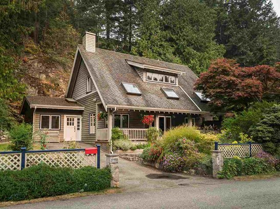 5653 Eagle Harbour Road, West Vancouver, BC - CAN (photo 1)