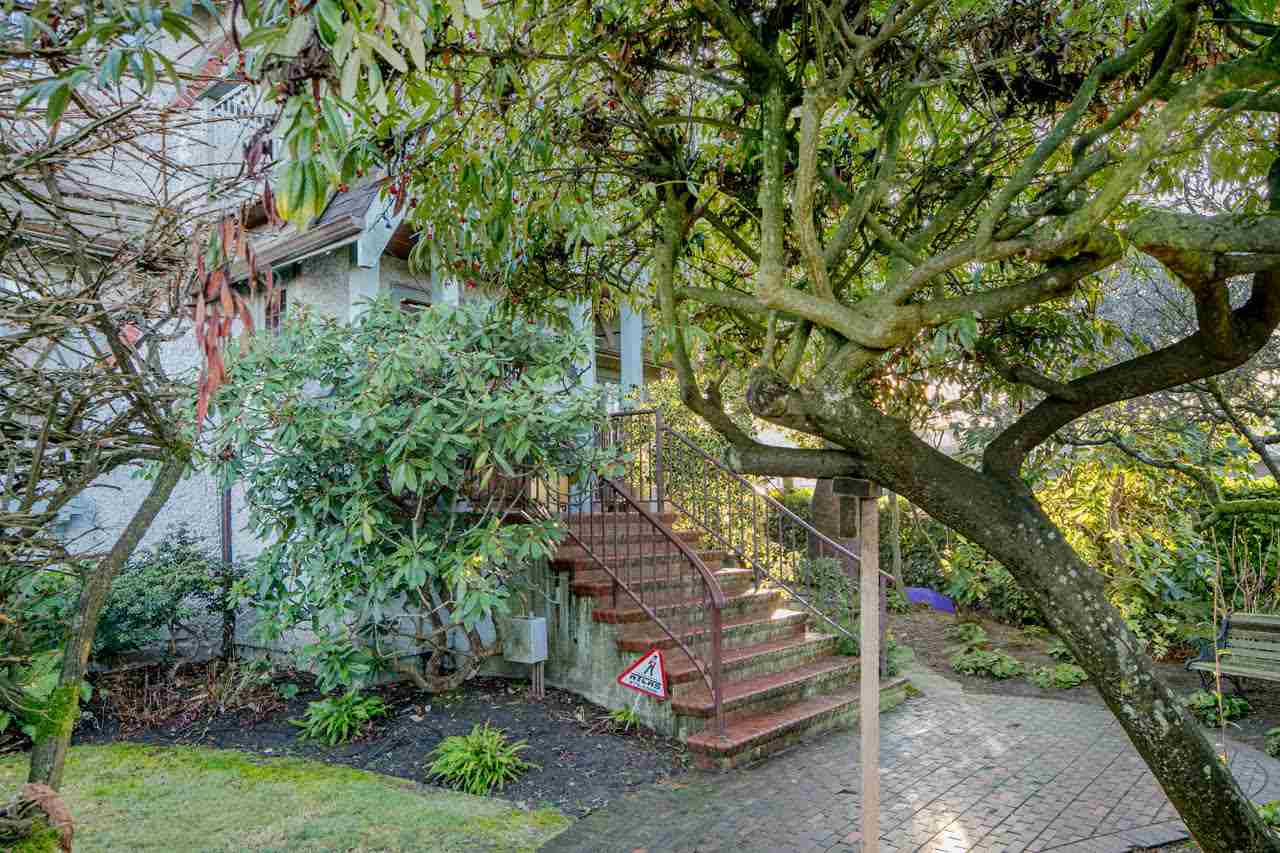 4296 W 8th Avenue, Vancouver, BC - CAN (photo 2)