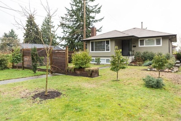 3505 Norwood Avenue, North Vancouver, BC - CAN (photo 2)
