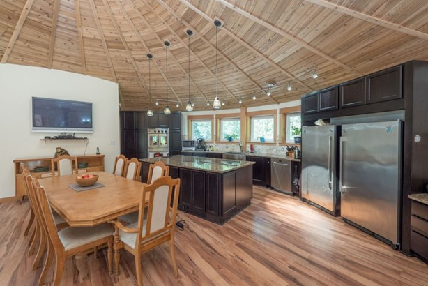 1788 Magee Road, Squamish, BC - CAN (photo 5)