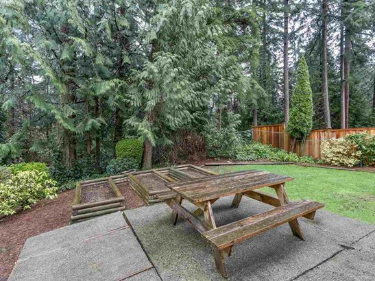 5718 Bluebell Drive, West Vancouver, BC - CAN (photo 3)