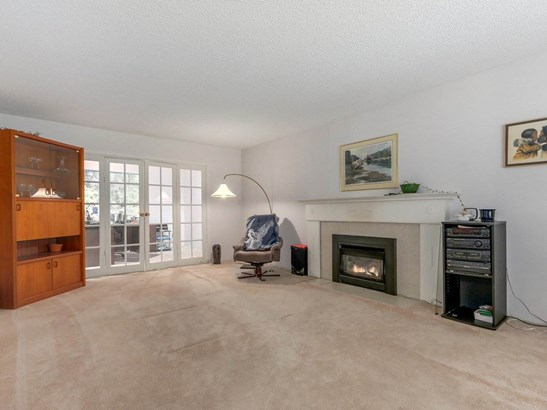 5718 Bluebell Drive, West Vancouver, BC - CAN (photo 4)