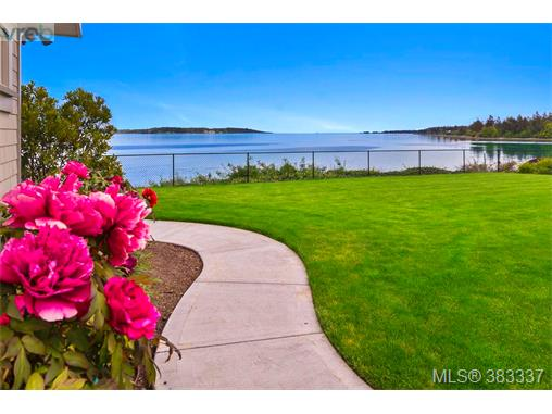 9165 Lochside Dr, North Saanich, BC - CAN (photo 4)