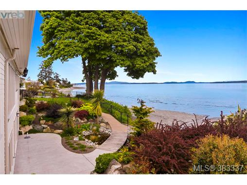 9165 Lochside Dr, North Saanich, BC - CAN (photo 5)