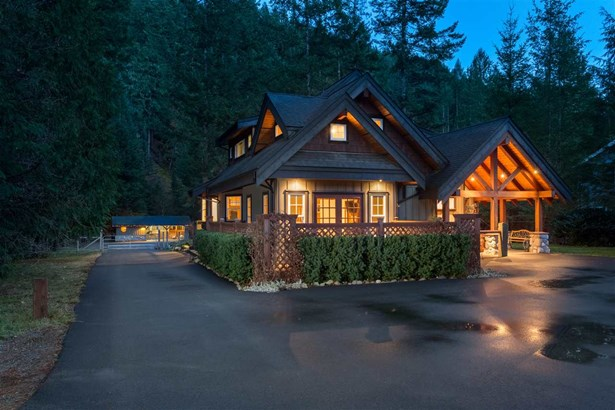 3060 Midnight Way, Squamish, BC - CAN (photo 1)