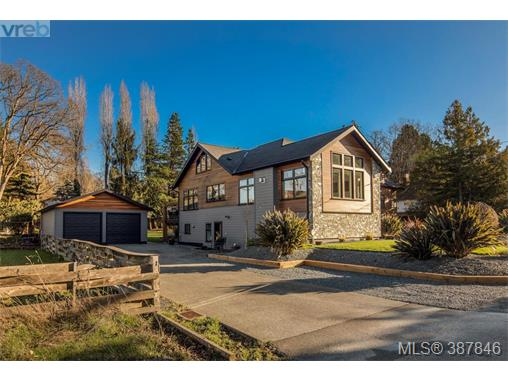 4521 Eva Ave, Saanich East, BC - CAN (photo 2)