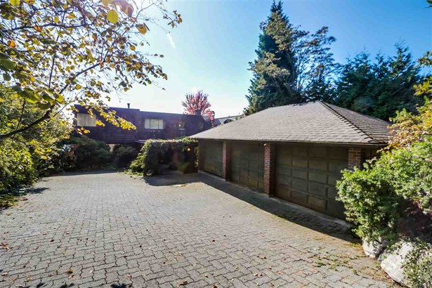 2750 Bellevue Avenue, West Vancouver, BC - CAN (photo 3)