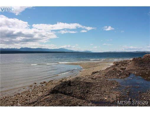 7725 Komas Rd, Zone 10 - Islands, BC - CAN (photo 2)