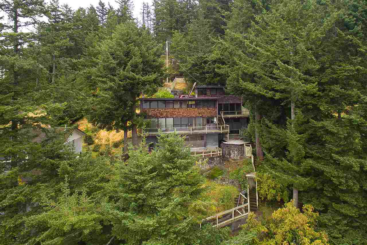 1710 Woods Road, Bowen Island, BC - CAN (photo 4)