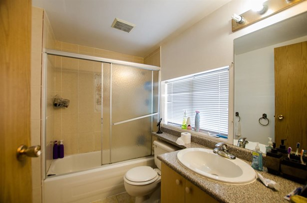 4529 Pender Street, Burnaby, BC - CAN (photo 5)