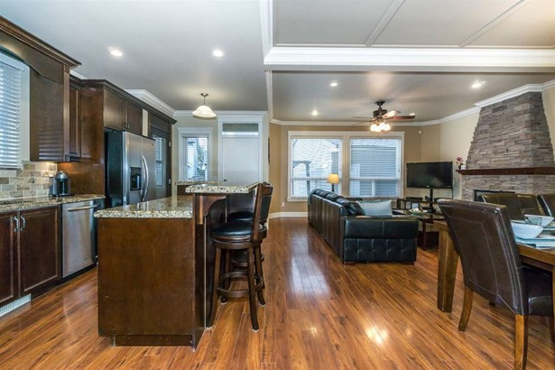 7267 199a Street, Langley, BC - CAN (photo 4)