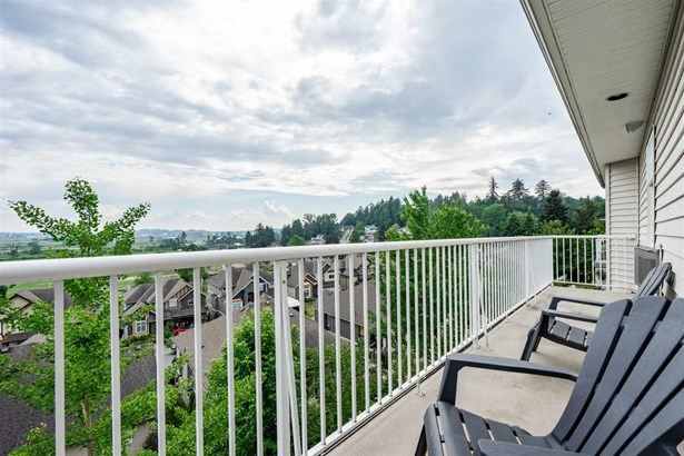 35588 Dina Place, Abbotsford, BC - CAN (photo 2)