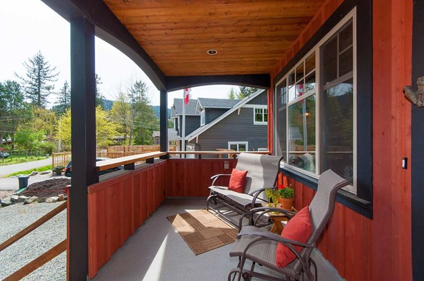 1139 Lenora Road, Bowen Island, BC - CAN (photo 3)
