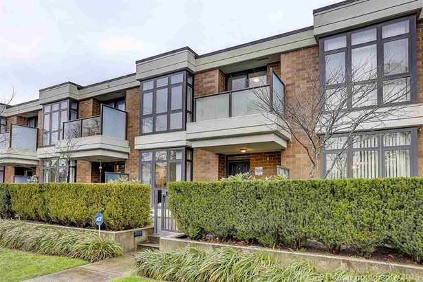 7068 Walker Avenue, Burnaby, BC - CAN (photo 1)