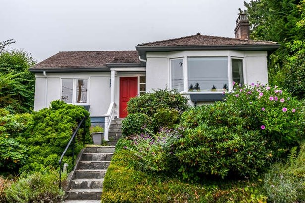 2423 Lawson Avenue, West Vancouver, BC - CAN (photo 1)