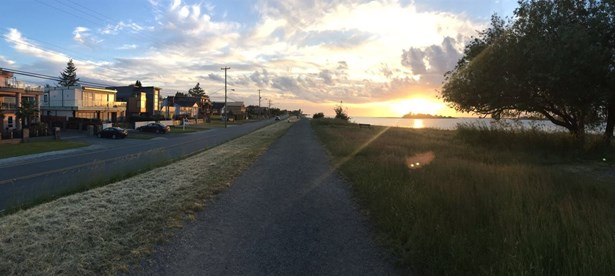 4246 River Road, Richmond, BC - CAN (photo 3)