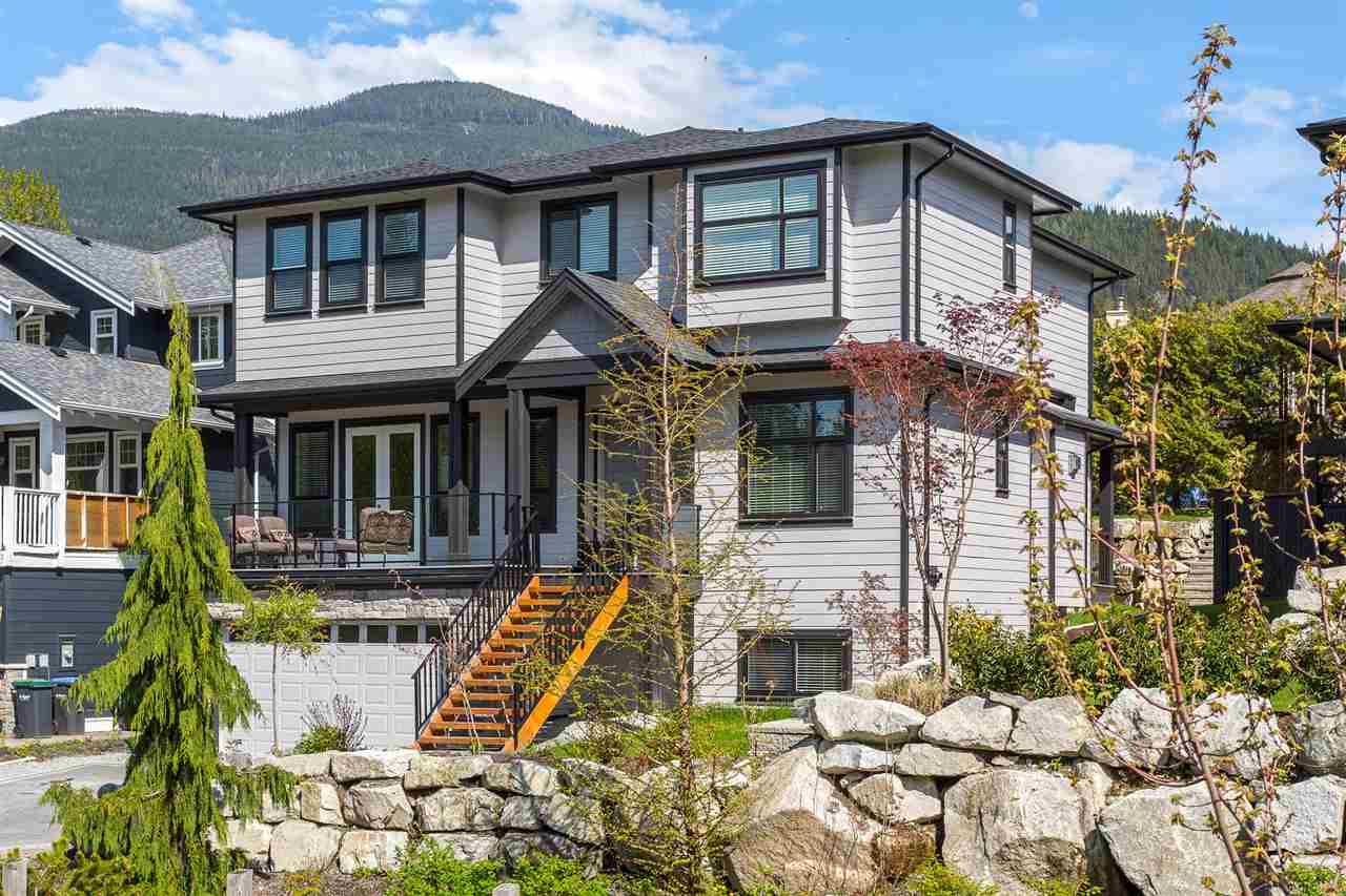 1003 Jay Crescent, Squamish, BC - CAN (photo 1)
