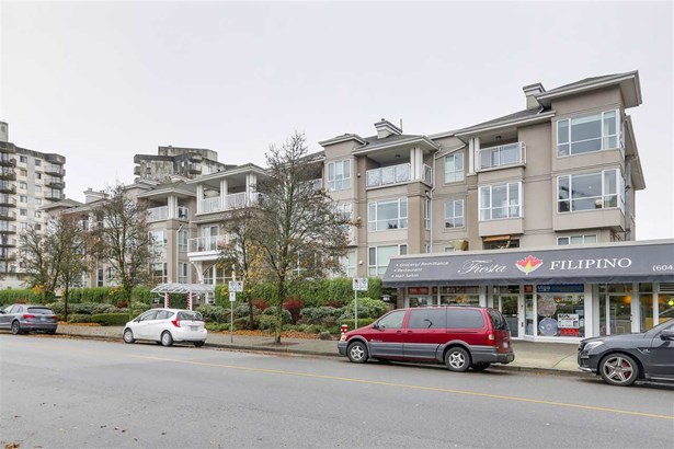 303 155 E 3rd Street, North Vancouver, BC - CAN (photo 1)