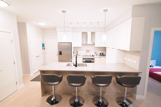 112 3205 Mountain Highway, North Vancouver, BC - CAN (photo 2)