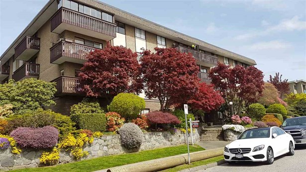 210 120 E 4th Street, North Vancouver, BC - CAN (photo 1)