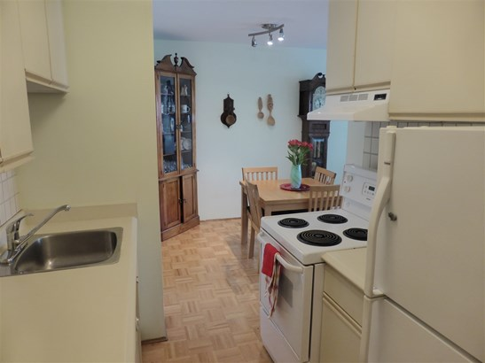 210 120 E 4th Street, North Vancouver, BC - CAN (photo 4)