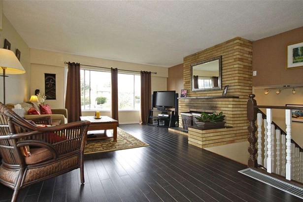 1390 Finlay Street, White Rock, BC - CAN (photo 2)