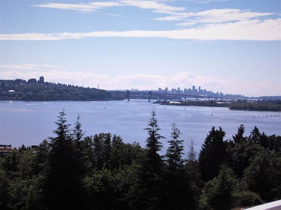 413 3629 Deercrest Drive, North Vancouver, BC - CAN (photo 1)