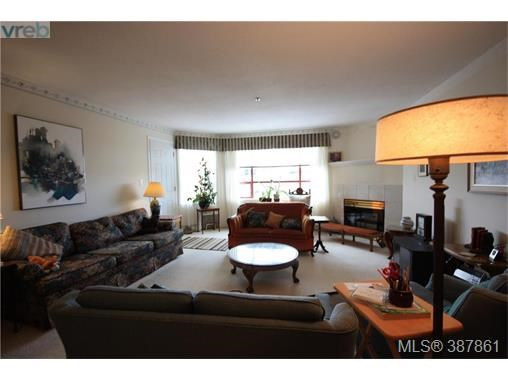 303 9711 Fifth St, Sidney, BC - CAN (photo 3)