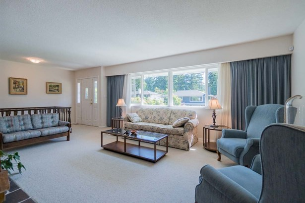 2011 Arroyo Court, North Vancouver, BC - CAN (photo 3)