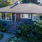 7272 Inlet Drive, Burnaby, BC - CAN (photo 2)