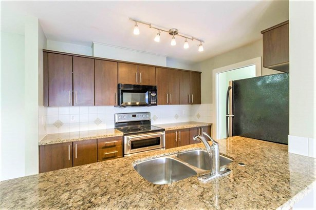 402 3240 St Johns Street, Port Moody, BC - CAN (photo 3)