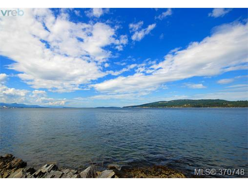 132 Narrows West Rd, Salt Spring Island, BC - CAN (photo 3)