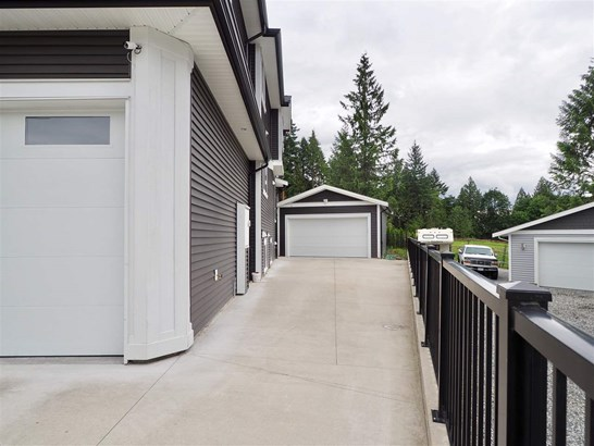 23288 Silver Valley Road, Maple Ridge, BC - CAN (photo 2)