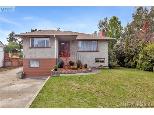 3842 Carey Rd, Saanich West, BC - CAN (photo 1)