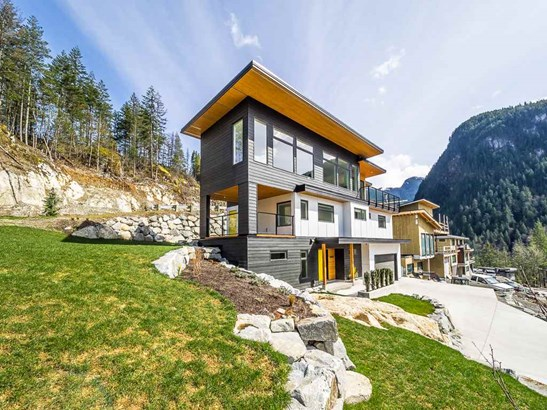 38598 High Creek Place, Squamish, BC - CAN (photo 2)