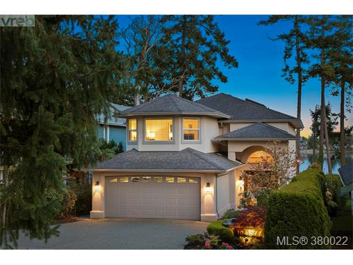 A 10467 Allbay Rd, Sidney, BC - CAN (photo 2)