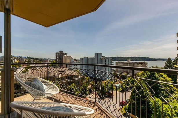 702 1930 Marine Drive, West Vancouver, BC - CAN (photo 2)