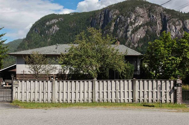 38290 Northridge Drive, Squamish, BC - CAN (photo 1)
