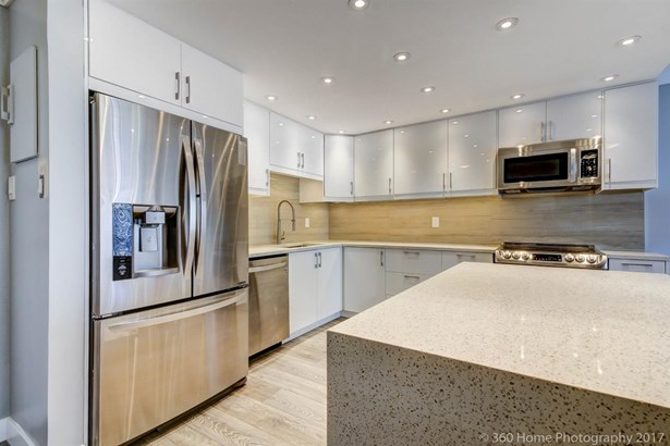 1105 710 Seventh Avenue, New Westminster, BC - CAN (photo 1)