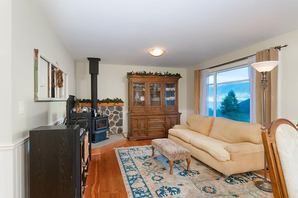 967 Seaview Place, Bowen Island, BC - CAN (photo 4)