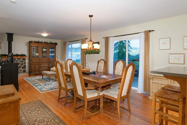 967 Seaview Place, Bowen Island, BC - CAN (photo 5)