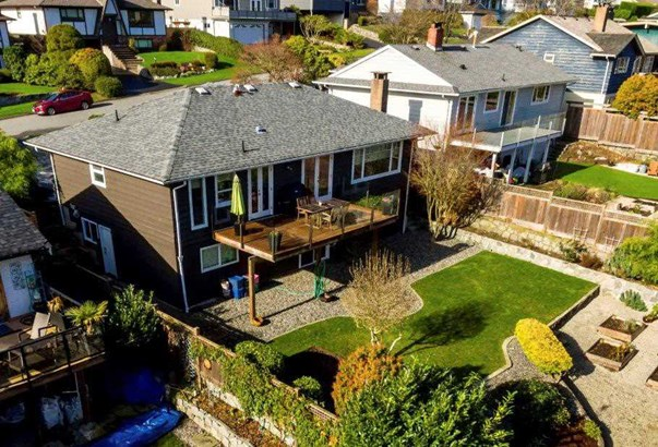 4219 Glenhaven Crescent, North Vancouver, BC - CAN (photo 3)