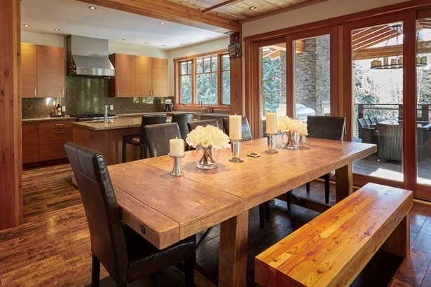 7219 N Fitzsimmons Road, Whistler, BC - CAN (photo 3)